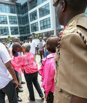 UHURU & MAGGY take their bedroom affairs to the streets & social media goes up in flames
